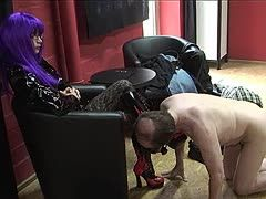 Dominatrix lets the tango teacher lick her boots