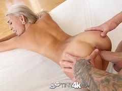 Blondes Teen Janice Griffith bumst hart