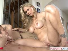Julia Ann lives her nymphomaniac side