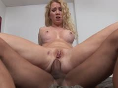 Analsex mit der blonden Nicki Blue