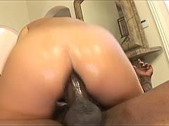 Teen bittch in net stockings gets an interracial ass fuck
