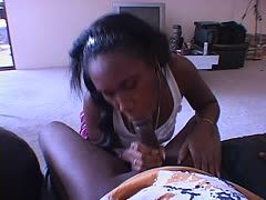 Black teen likes the taste of the bbc