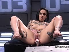 Extremely tattooed bitch enjoys her break on the fuck machine