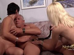 Sex consultant for mature German couple