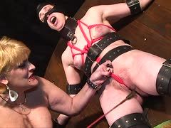 Hard bdsm with a desperate amateur