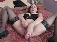 Experienced milf helps herself