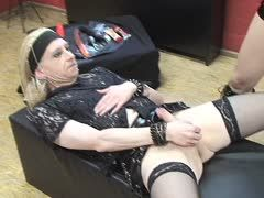 Tranny slave is castigated at teh bizarre studio